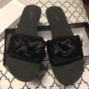 Woman's slide sandals